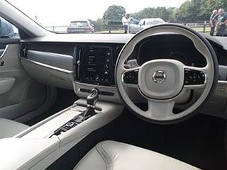 2016-Volvo-V90-interior.jpg
