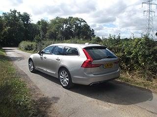 2016-Volvo-V90-rear.jpg