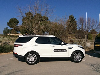 2017-Landrover-Discovery-sideon.jpg
