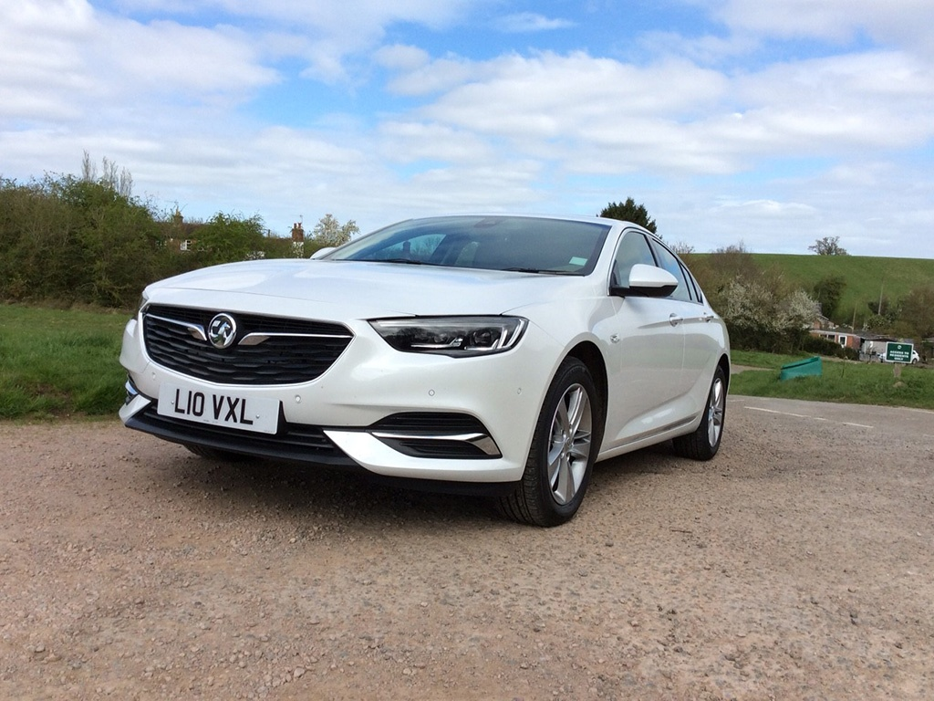 2017-vauxhall-insignia-front.jpg