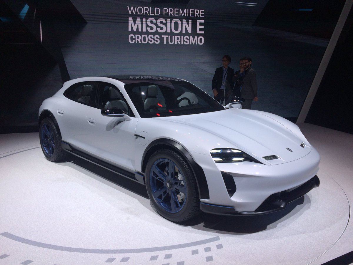 Mission E Cross Turismo.jpg